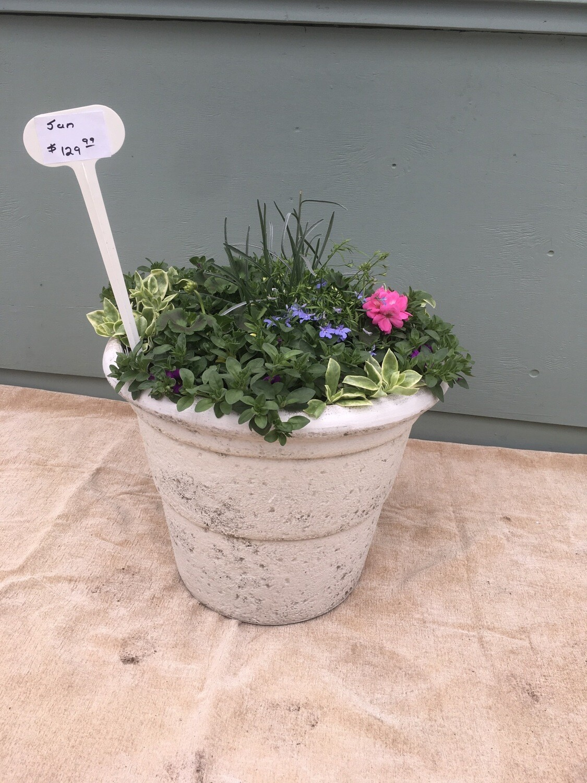 "20"" White Planter Pot"