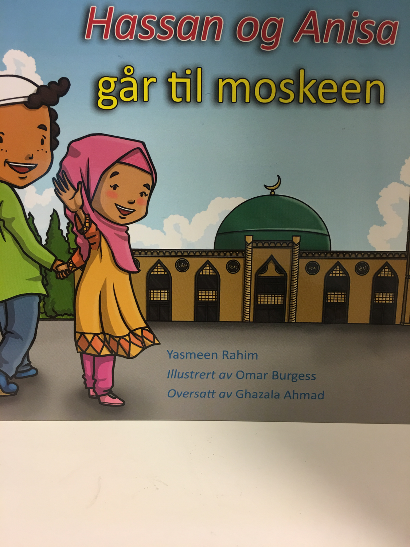 Hassan og Anisa går til moskeen