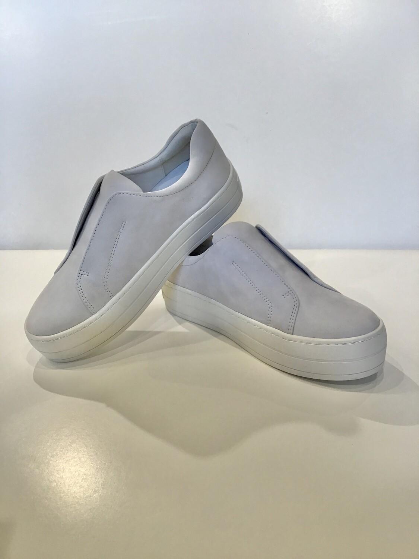 Laceless platform sneaker