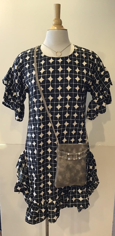 Geo print s/s ruffled dress