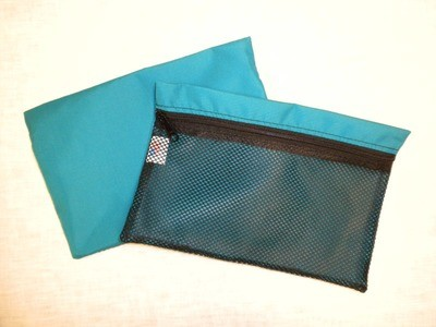 Zippered mesh organizer bag