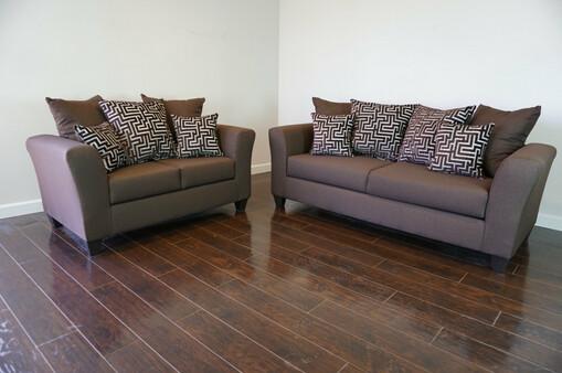 Chipper Living Room Set