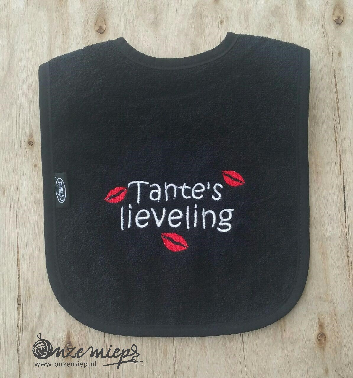 "Zwarte slab met ""Tante's lieveling"""
