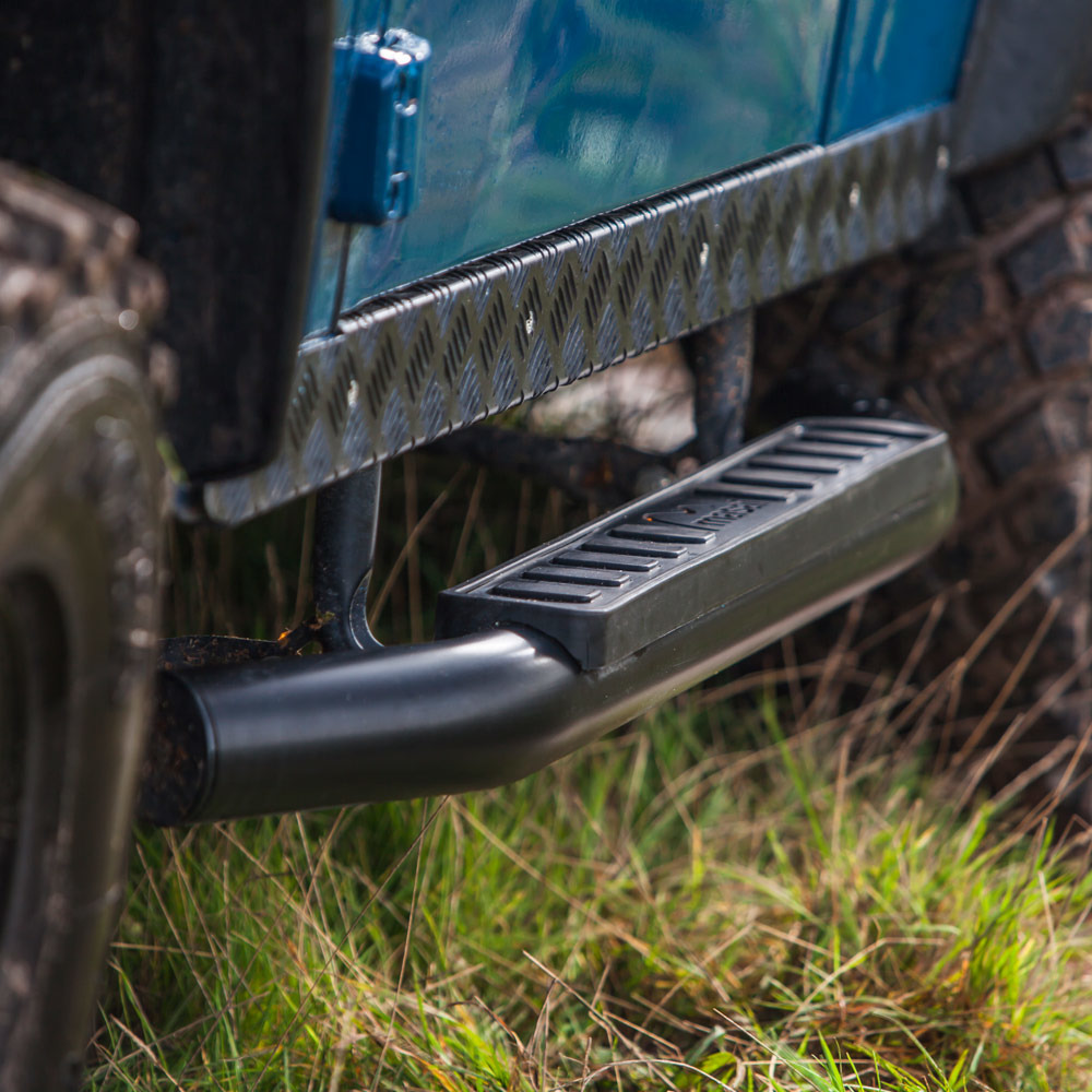 """Fire and Ice"" style Tubular Side Steps for Land Rover Defender"