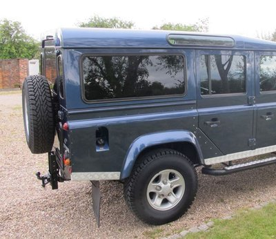 KIT - Dark Tint FIXED Side Windows + Quarters & Rear Glass - Defender 200TDi/300TDi, TD5 & PUMA
