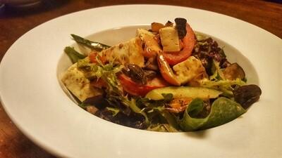 Buffalo Halloumi Salad (GF)