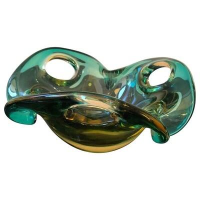Mid-Century Modern Sommerso Murano Glass Bowl by Seguso, circa 1970