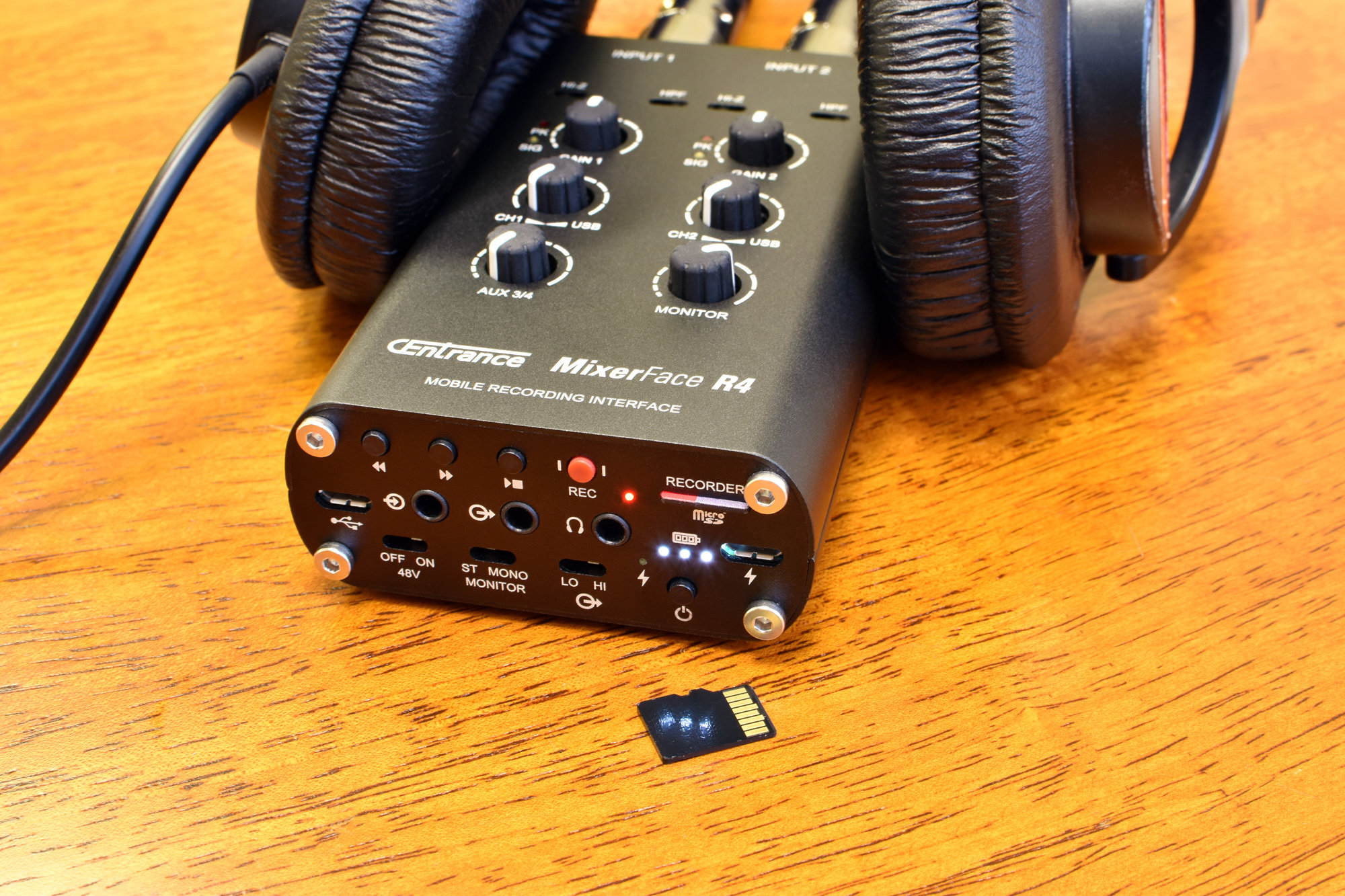 MixerFace R4B - Mobile Recording Interface with micro-SD Card Recorder and XY Stereo mics  (Mics shipping in April 2019)