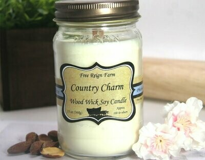 <strong>Country Charm</strong><br>Wood Wick Soy Candle