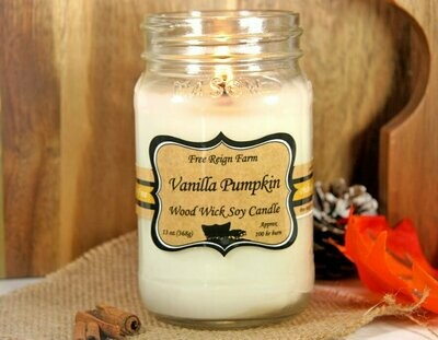 <strong>Vanilla Pumpkin</strong><br>Wood Wick Soy Candle