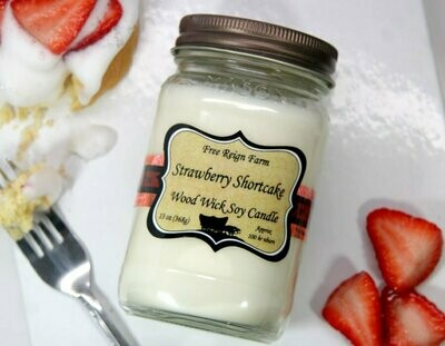 <strong>Strawberry Shortcake</strong><br>Wood Wick Soy Candle