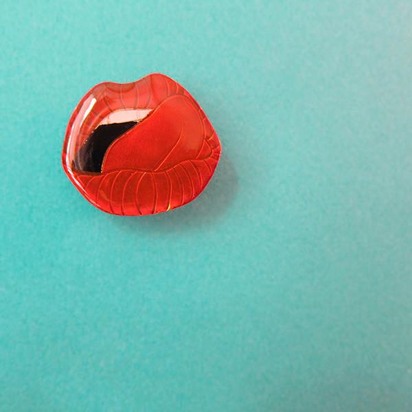 Broche Lick It Rouge