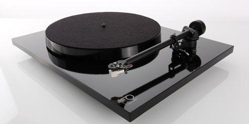 Rega P1 Planar Turntable  (Black or White Gloss)