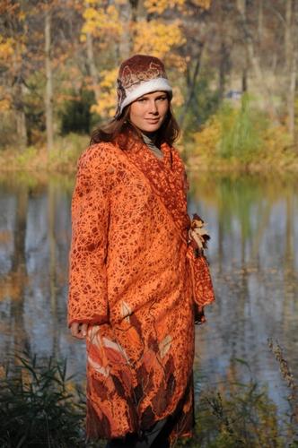 """Пальто - свингер """"Осень"""". Застежка - брошь """"Осенние листья"""""""