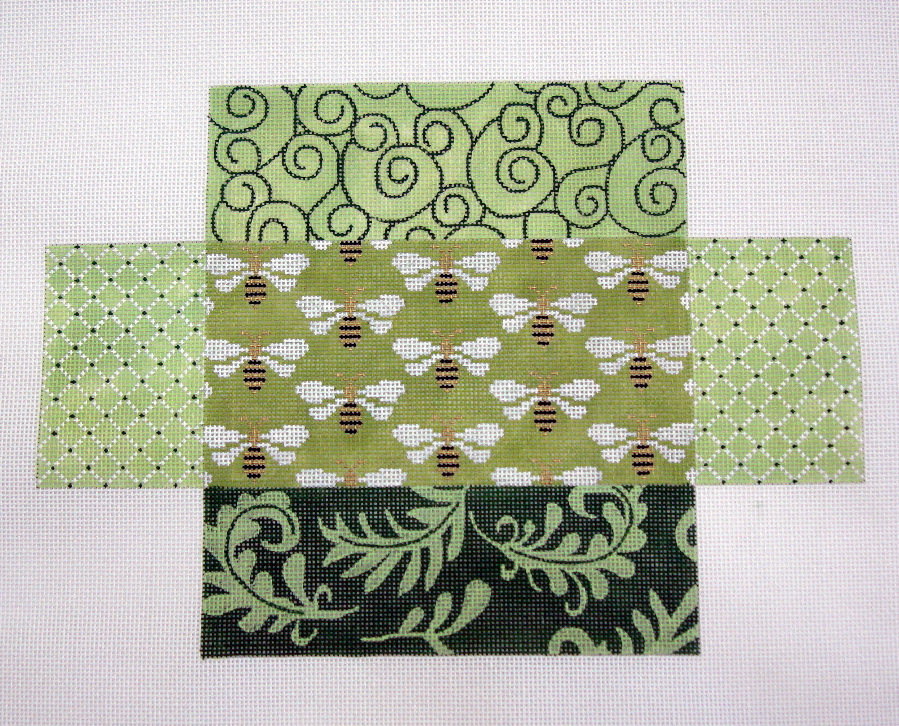 Green Patchwork Bees Brick Cover       (JP Designs) ??*BC-053