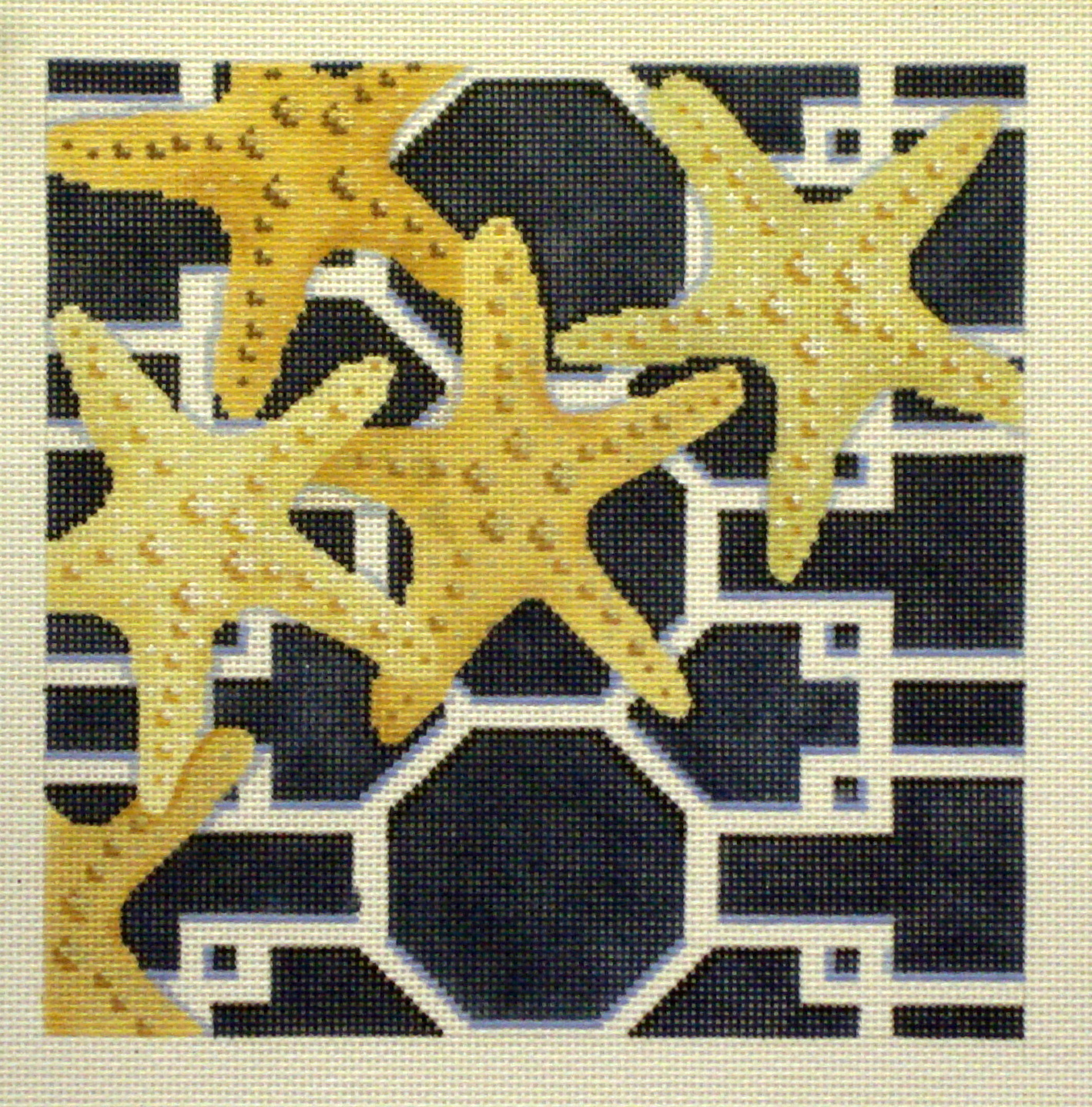 Starfish on Lattice-Navy    (Handpainted by Associated Talents) 18*D-1307B