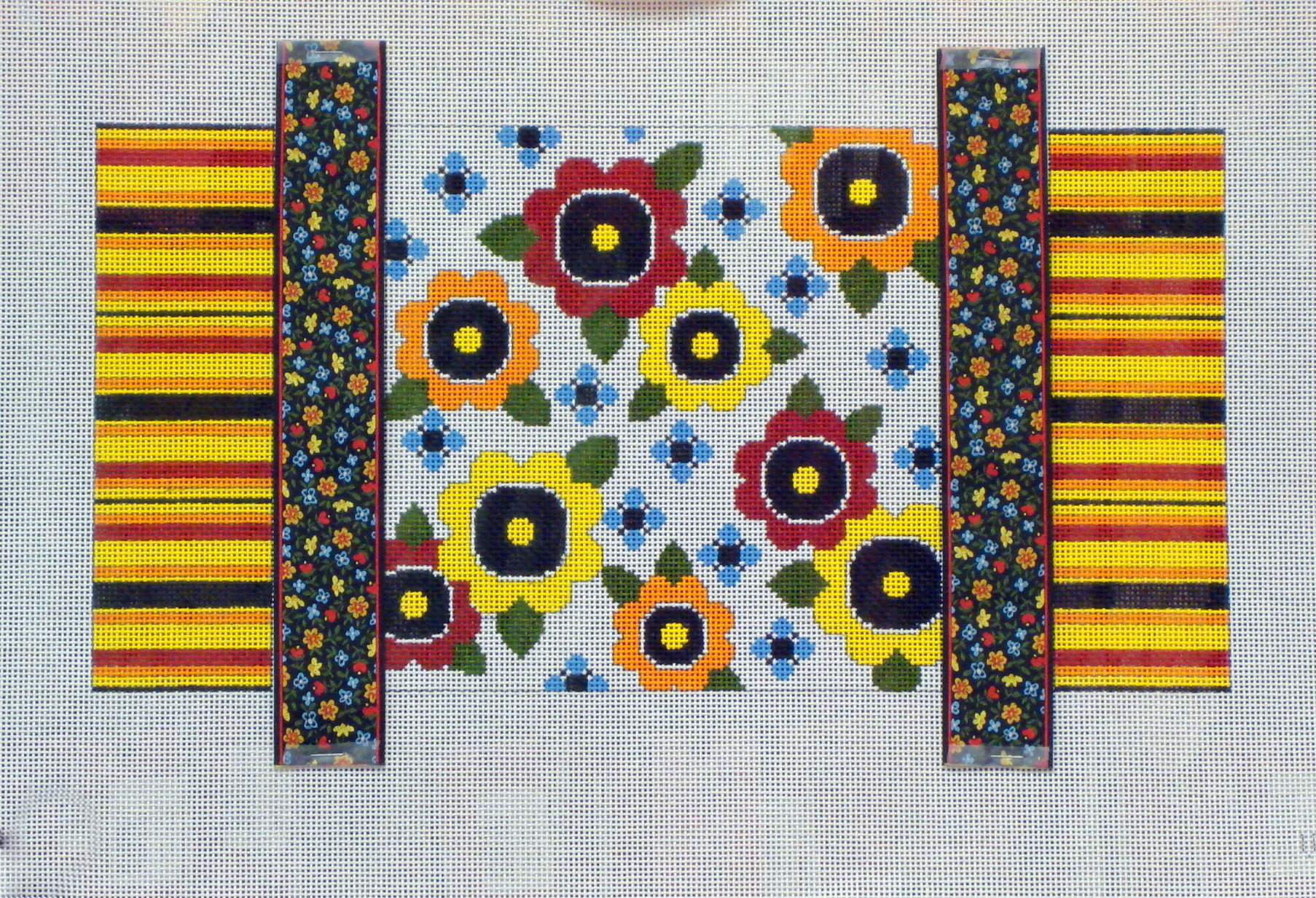Wacky Flowers & Ribbons    (JP Needlepoint) *V-062