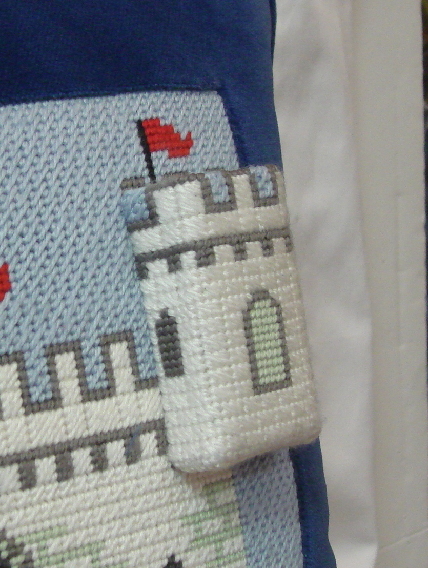 Castle Tooth Fairy Pillow       (Julia's Needlework)