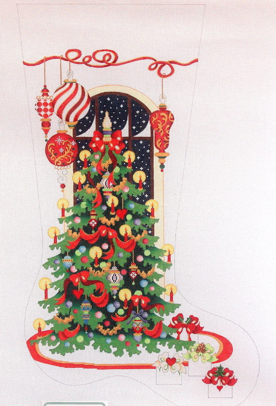 Christmas Tree with Large Ornaments  (Handpainted from Strictly Christmas) 18*CS401