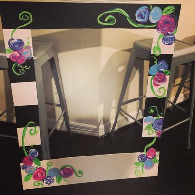 Photo frame prop