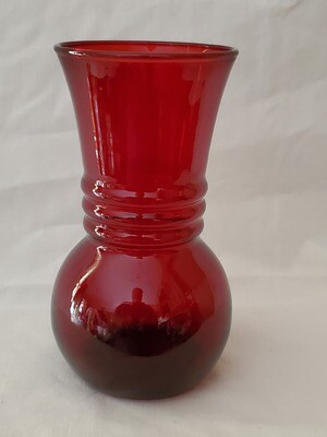 Anchor Hocking, Flower Vase, Royal Ruby Red 6 3/8