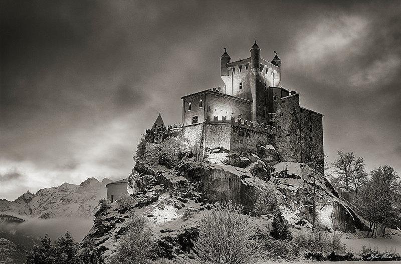 Castello di Saint-Pierre - Notturna