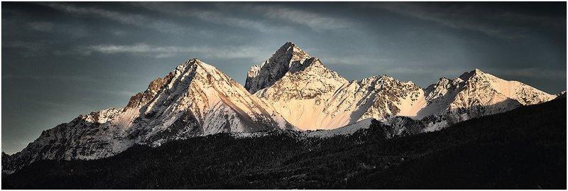 Monte Emilius - Becca di Nona al tramonto - Black&Blue