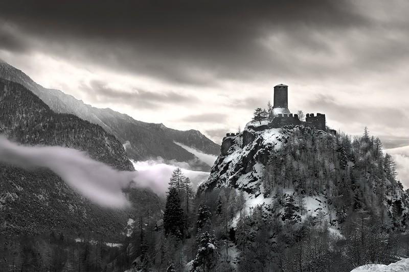 Fortezza fra le nuvole - Castello di Graines - edizione speciale su metallo