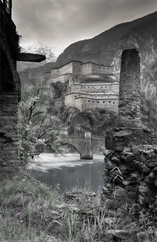Ingresso monumentale alla Valle - Forte di Bard