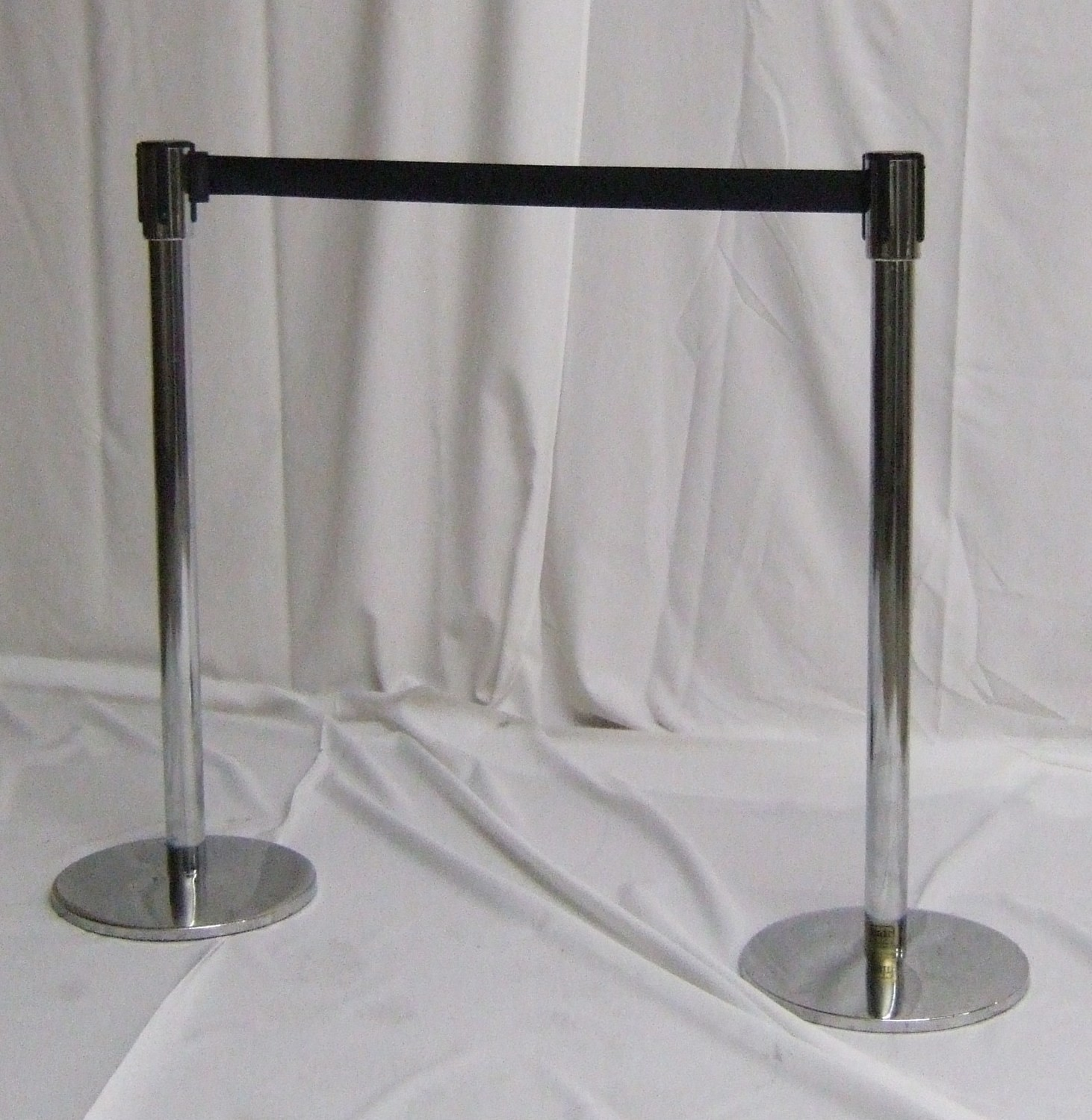 Stanchion with Tensa Barrier