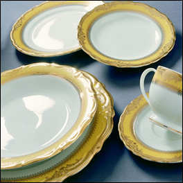Vanessa Gold Dinner Plate 10 1/2 in 150