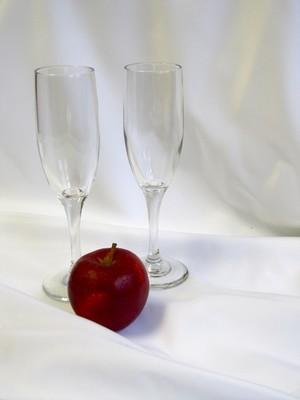 Champagne Flute 6 oz 2 in dia. 8in
