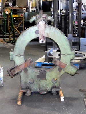 "1 – USED 18"" SKODA CAST IRON STEADY REST"