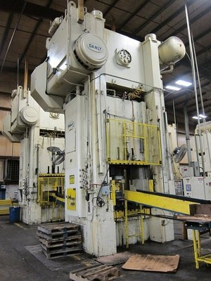 2 – USED 800 TON DANLY SSSC PRESSES