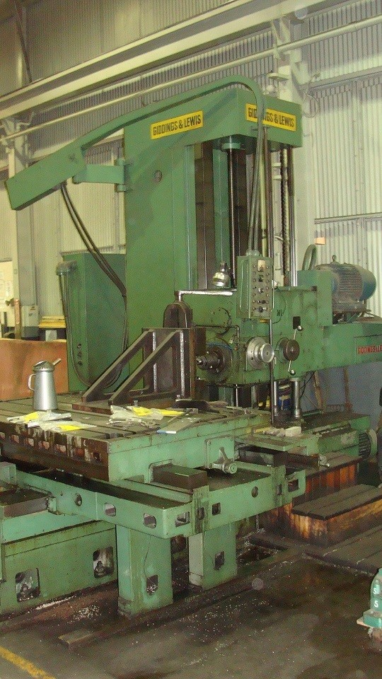 "1 – USED 5"" G & L TABLE TYPE HORIZONTAL BORING MILL"