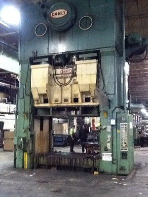 1 - USED 1,000 TON DANLY MECHANICAL TRIPLE ACTION PRESS