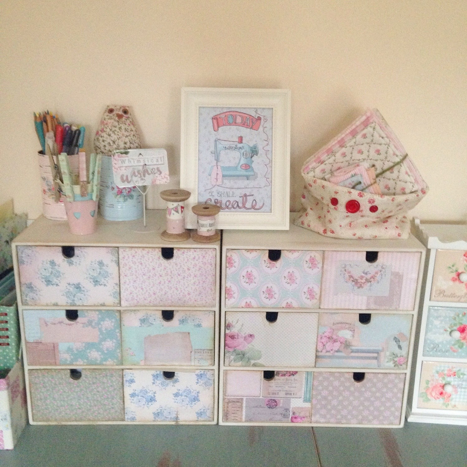 Pretty Small Chest of Drawers Storage Unit