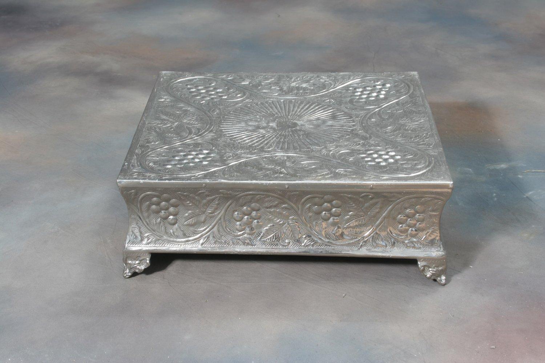 Silver Cake Riser(s)