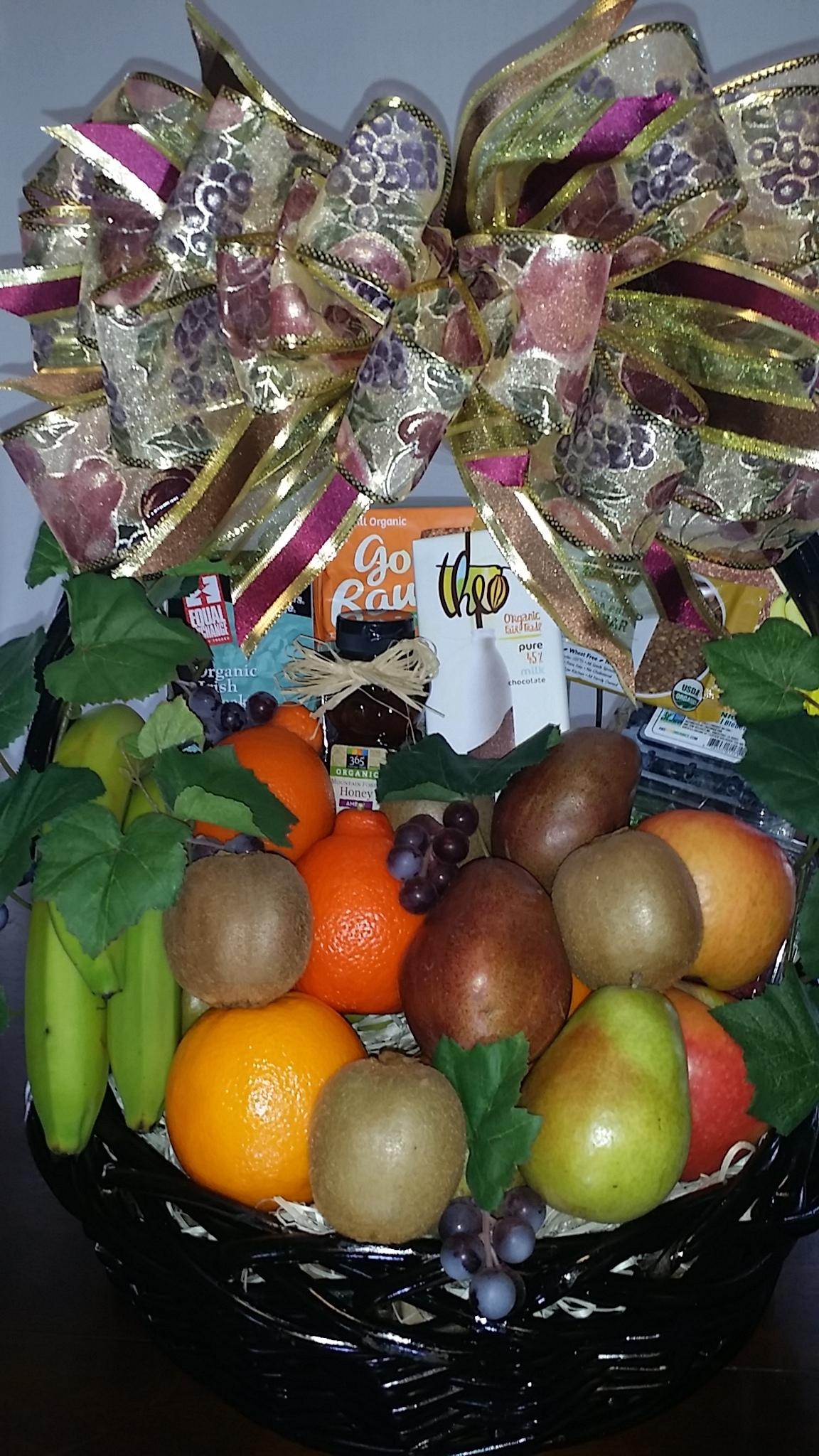 Deluxe Organic Gift Basket FF-0023