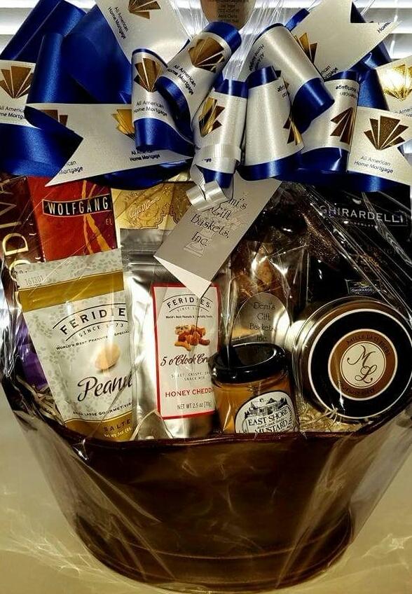 Tier Five - Deluxe Gourmet Gift Basket (no wine)
