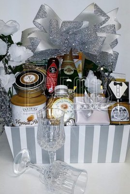 Deluxe Wedding Basket