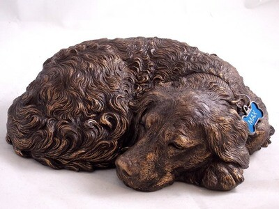 Golden Retriever sculpture urn