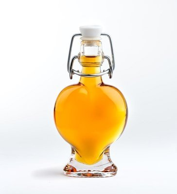 1.7 ounce glass heart, maple syrup