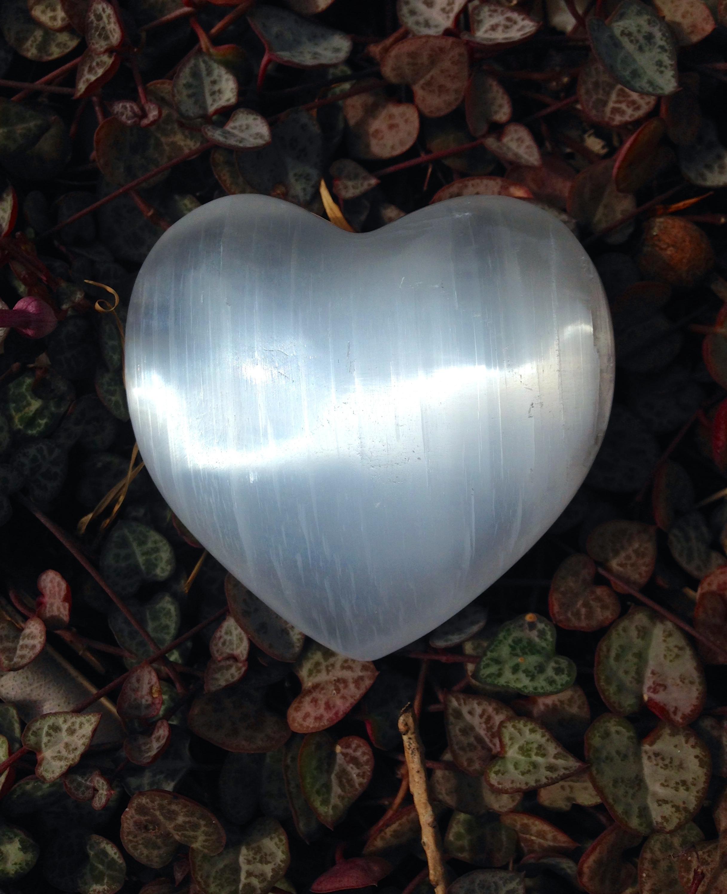 Selenite Heart - Large 00158