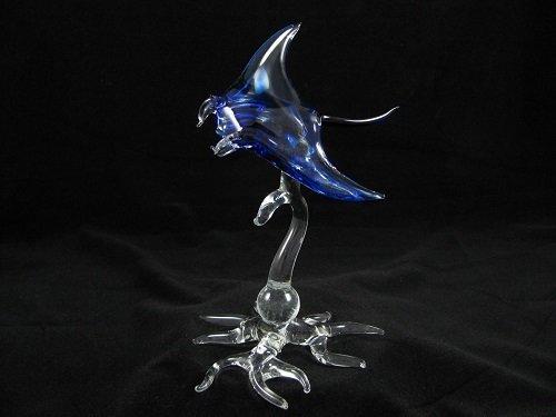 Manta Ray on Glass Root Base