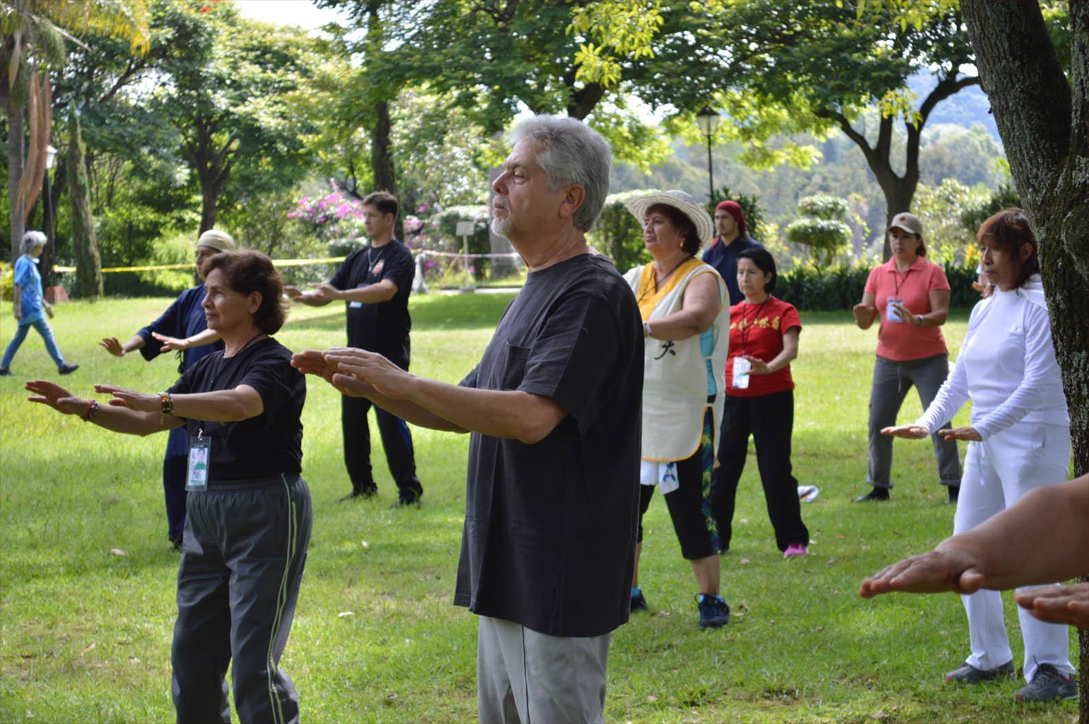 Retiro Tai Chi & Qi Gong para la Salud y Longevidad en Habitación Compartida