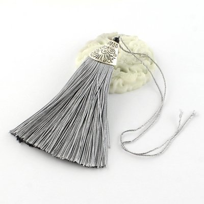 Grey Tassel with silver cap   80x20x11mm