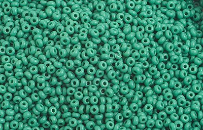 10/0 Round Czech Seed Bead Opaque Med Green 1020