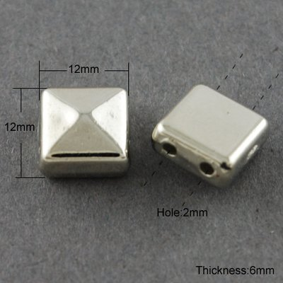 Pyramid Square 2 hole Platinum 12x12x6mm