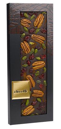 Горький шоколад с корицей, брусникой, фисташками Бронте, орехами пекан
